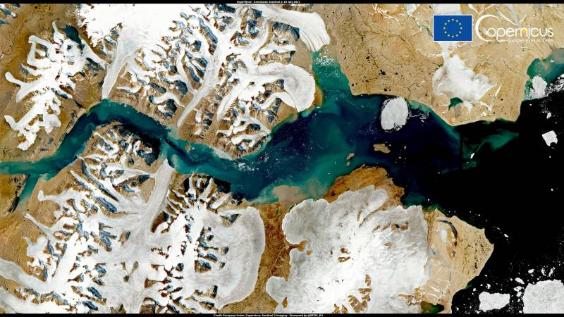 Nearly 20 degrees in parts of Greenland, heat leads to loss of ice sheet mass