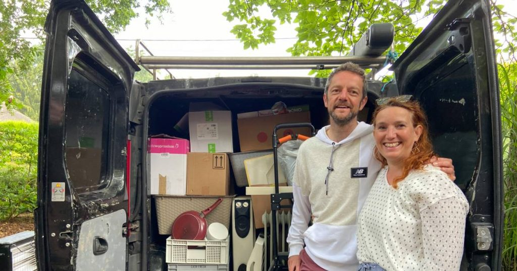 The holiday is sacrificed for emergency help: the couple drives to Wallonia three times with the things collected    Abroad