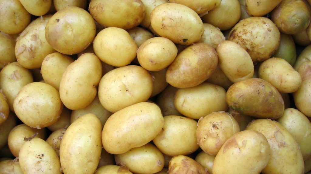 RECEPT. Zo maak je volgens de wetenschap de perfecte gebakken aardappeltjes