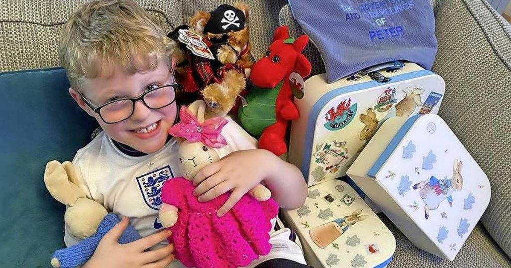 Britain's Ethan (7 years old) overwhelmed with hugs and cards after grandma's call on Facebook    Abroad