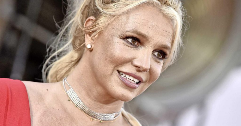 Father Britney Spears asks for $2 million for his resignation