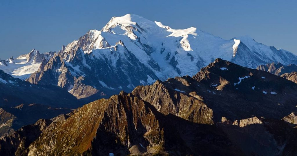 Mont Blanc shrank by about a meter |  Abroad