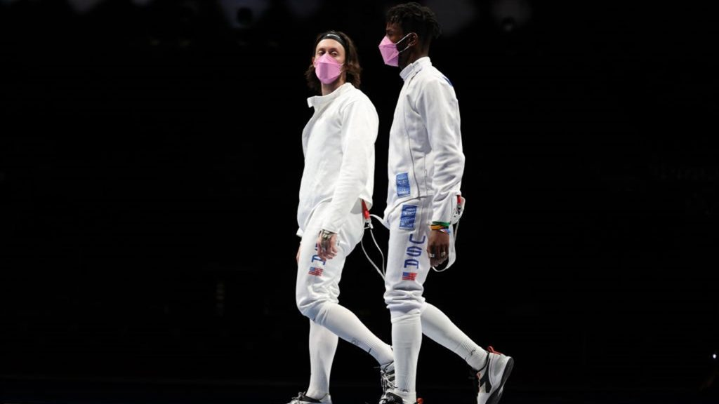 Tokyo 2020 |  American fencers protest against their teammate