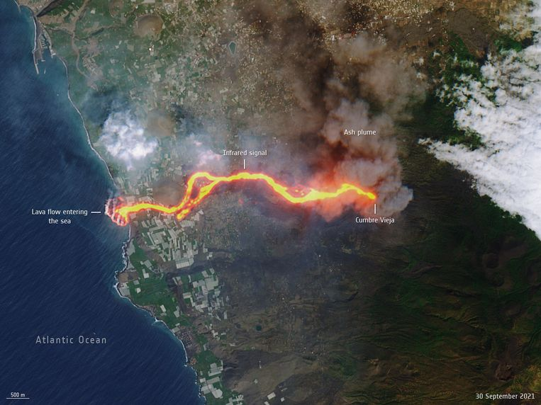 Satellite images show the path of lava: from the volcano to the sea.  Photo credit: European Space Agency