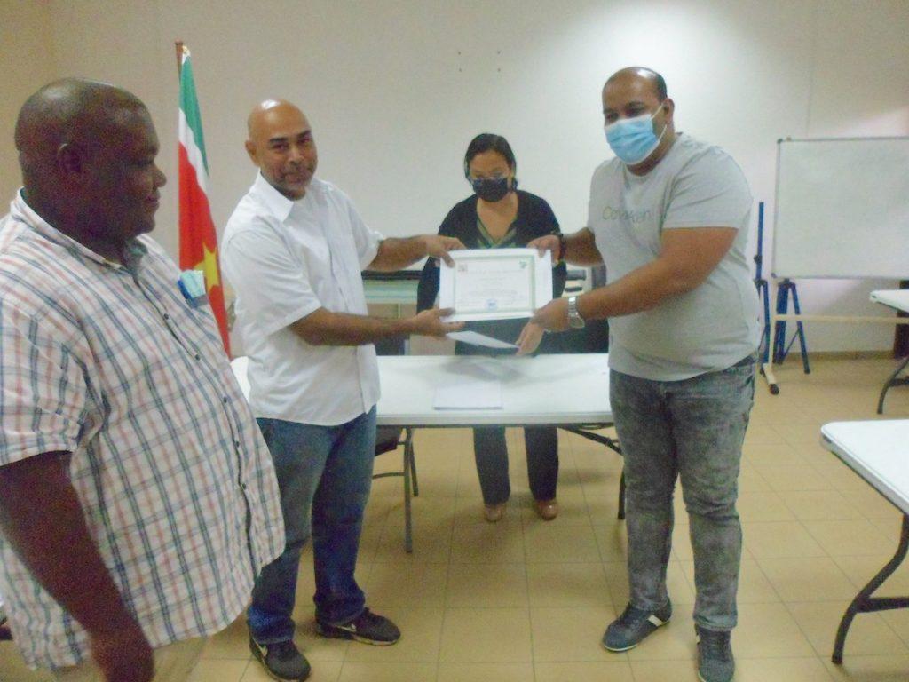 11 inspecteurs klaargestoomd voor grenspostbewaking in Suriname