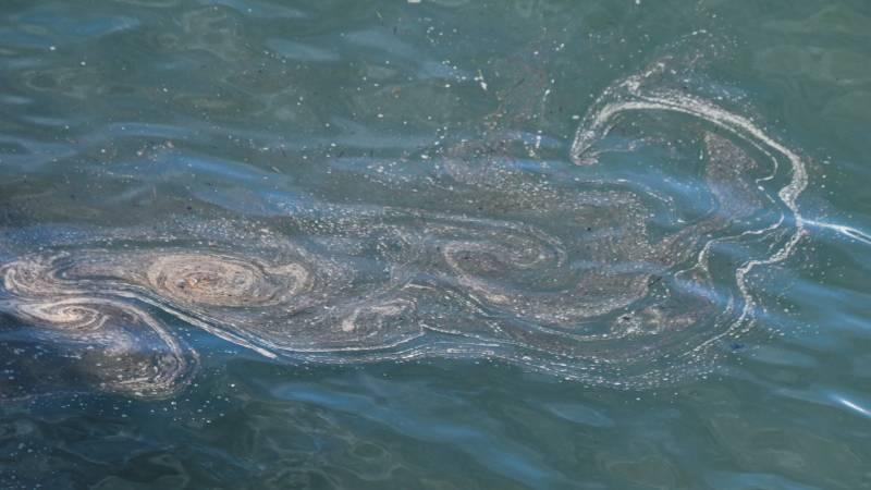 Crude oil spill stops off California coast